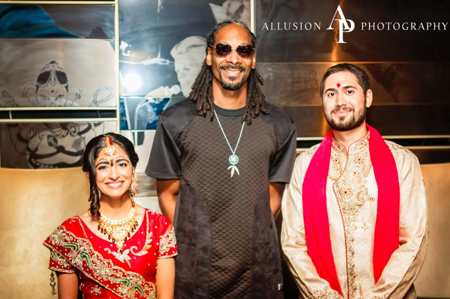 Snoop Dogg poses with bride Neesha Ghadiali and groom Joe Scheller (Courtesy: Allusion Photography)