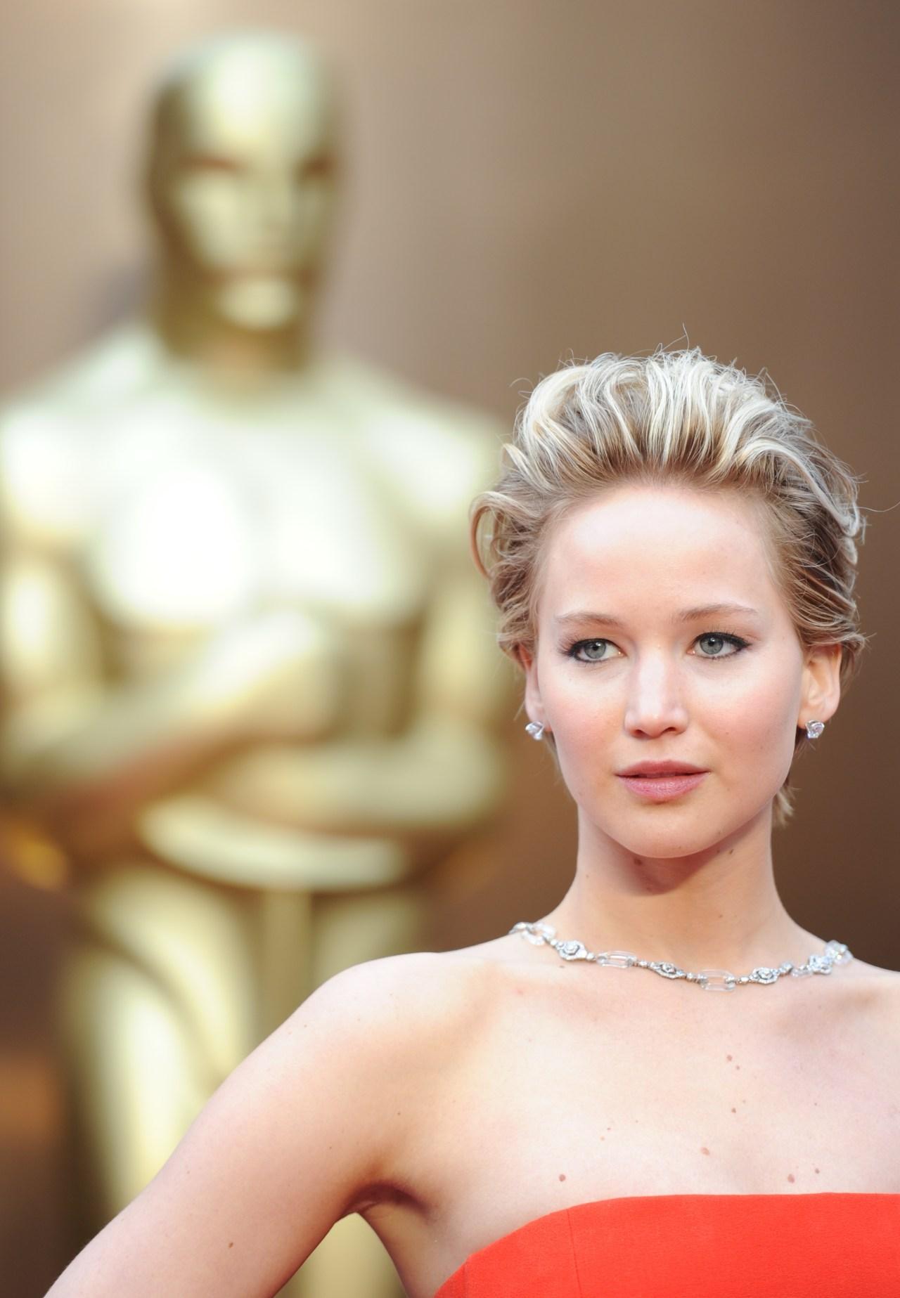 Hackers leak nude photos of Jennifer Lawrence, Victoria