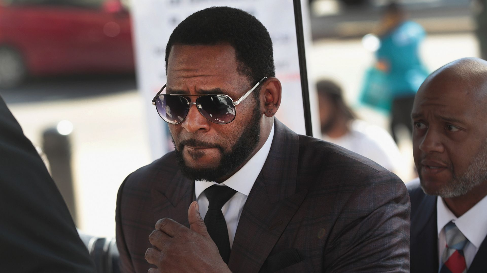 Judge orders R. Kelly moved to New York for courthearing