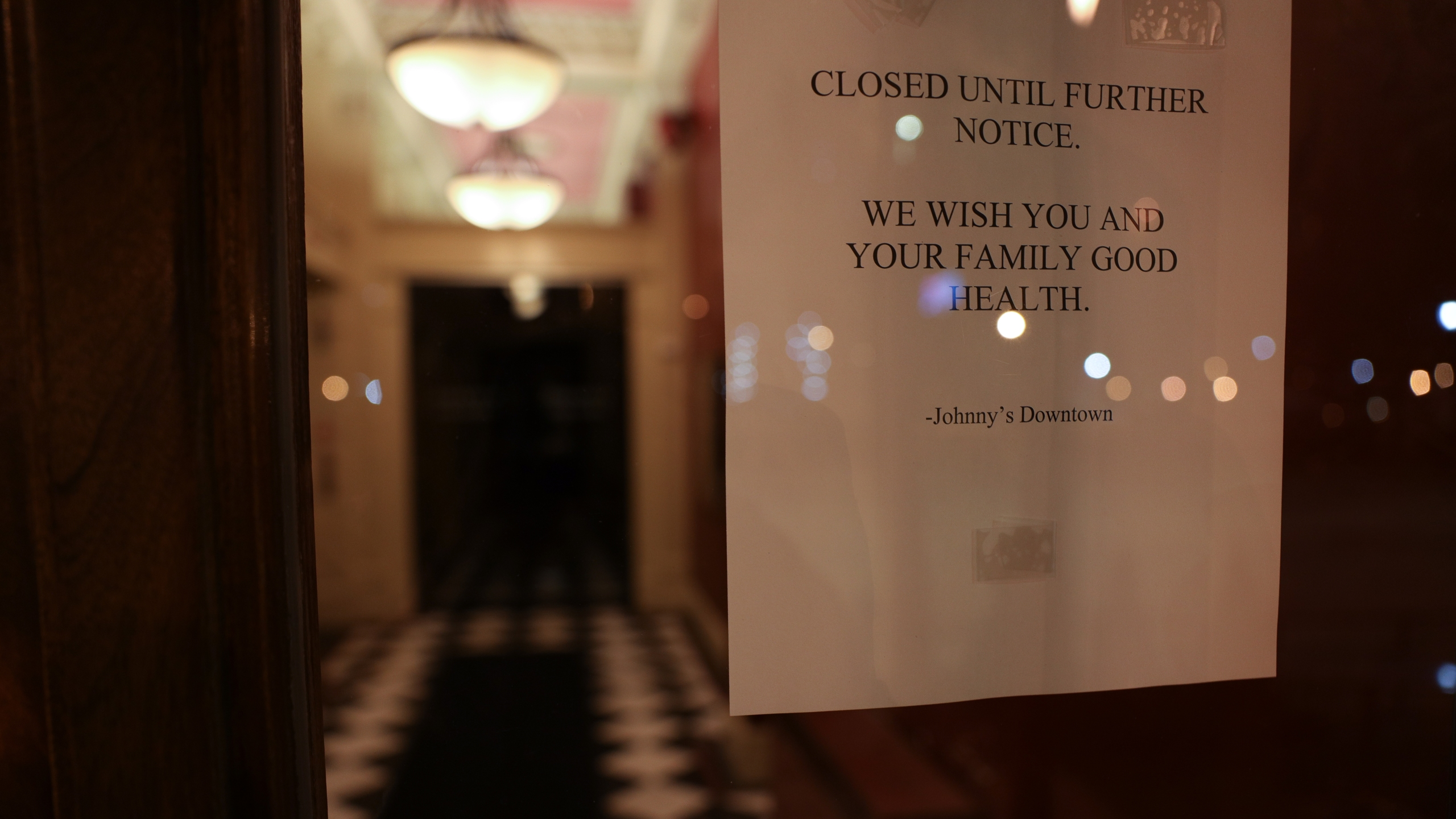 New York joins states ordering closure of restaurant dining rooms, bars