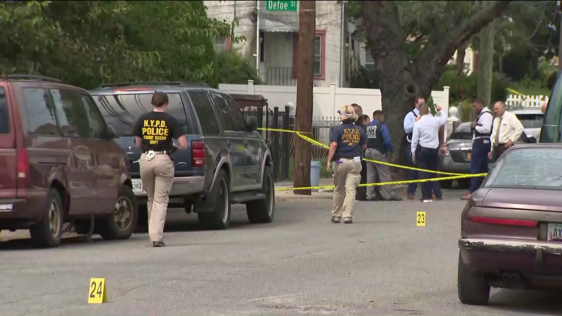 correction officer shot queens
