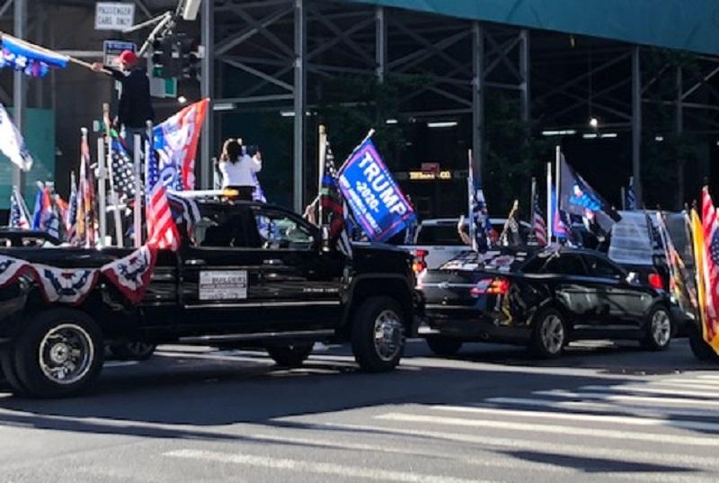 trump supporters traffic fifth avenue