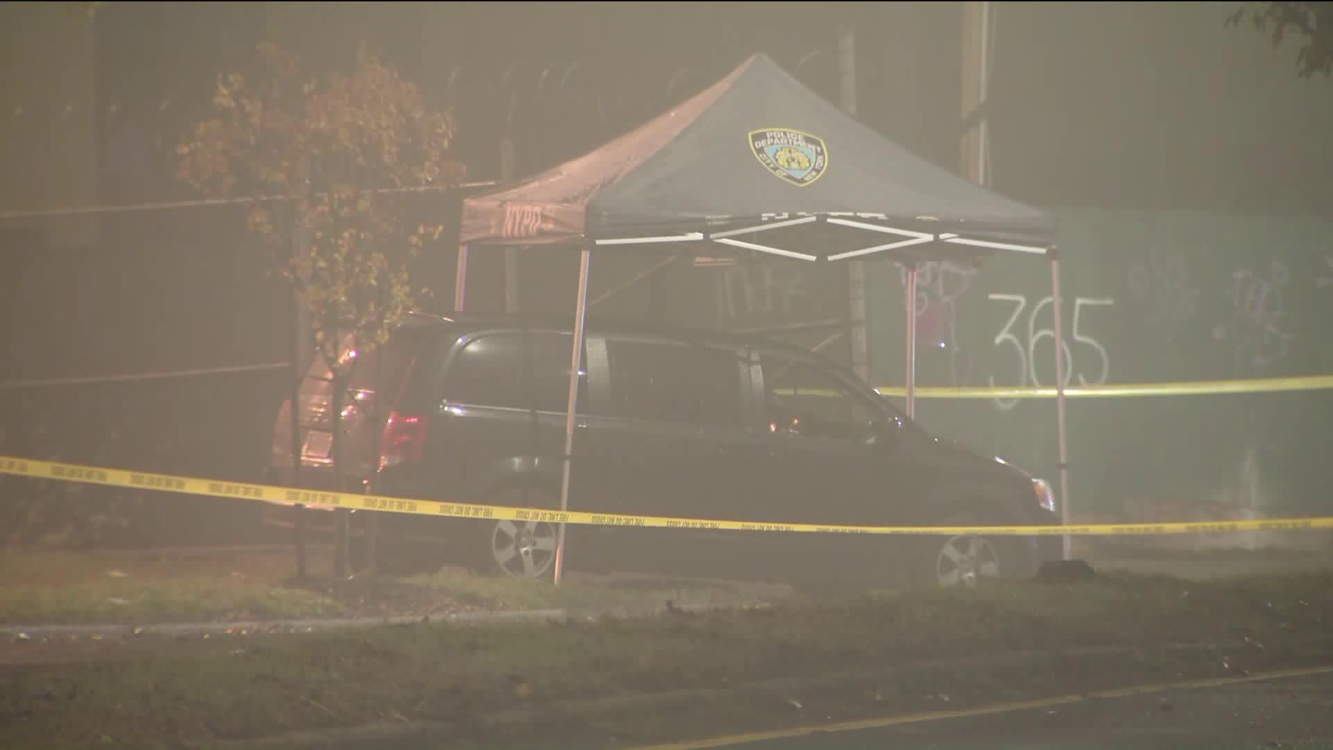 Man found stabbed to death in minivan in Staten Island