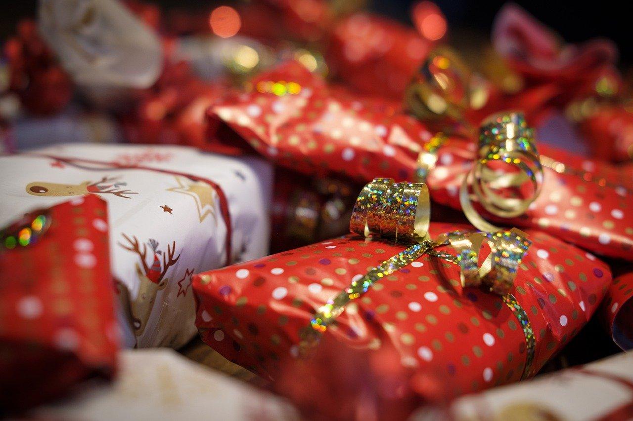 gifts-4678018_1280.jpg