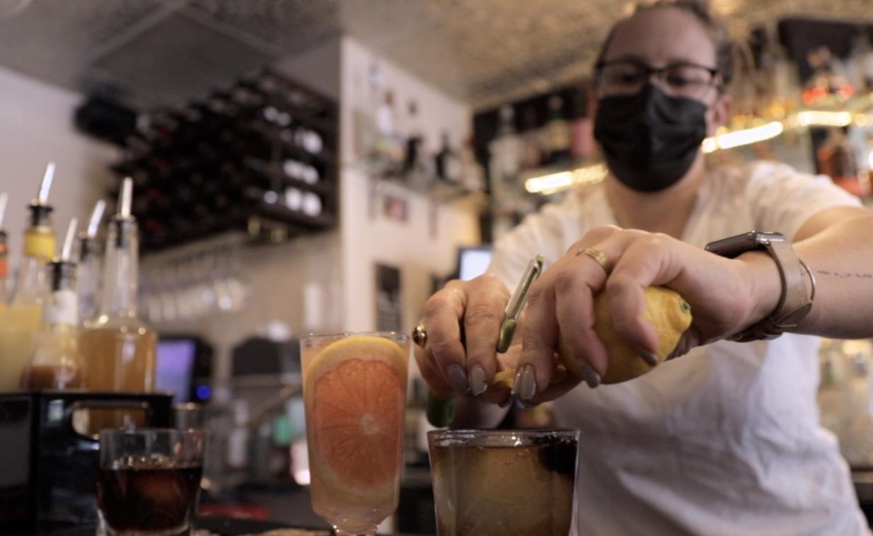 Restaurants Defy Closures.png