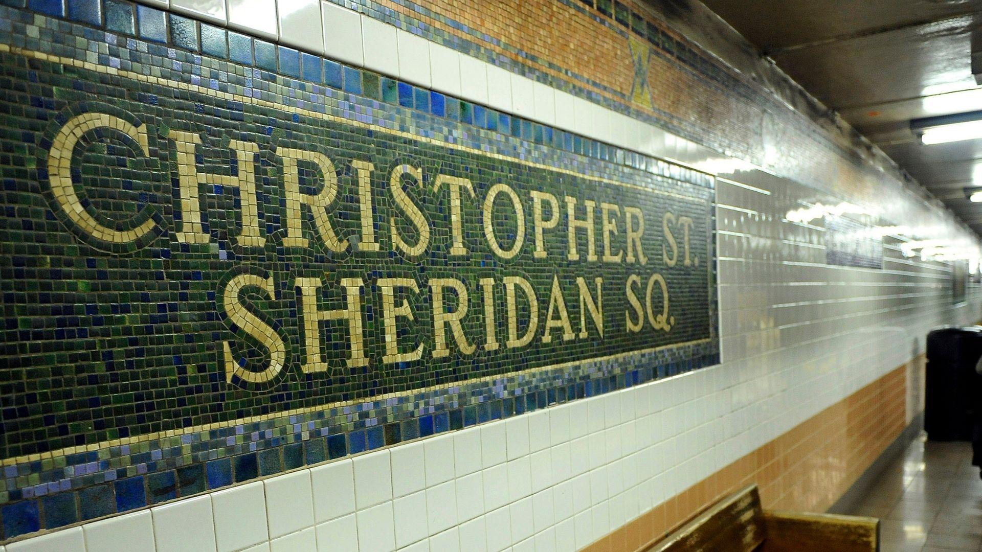 Christopher Street subway station