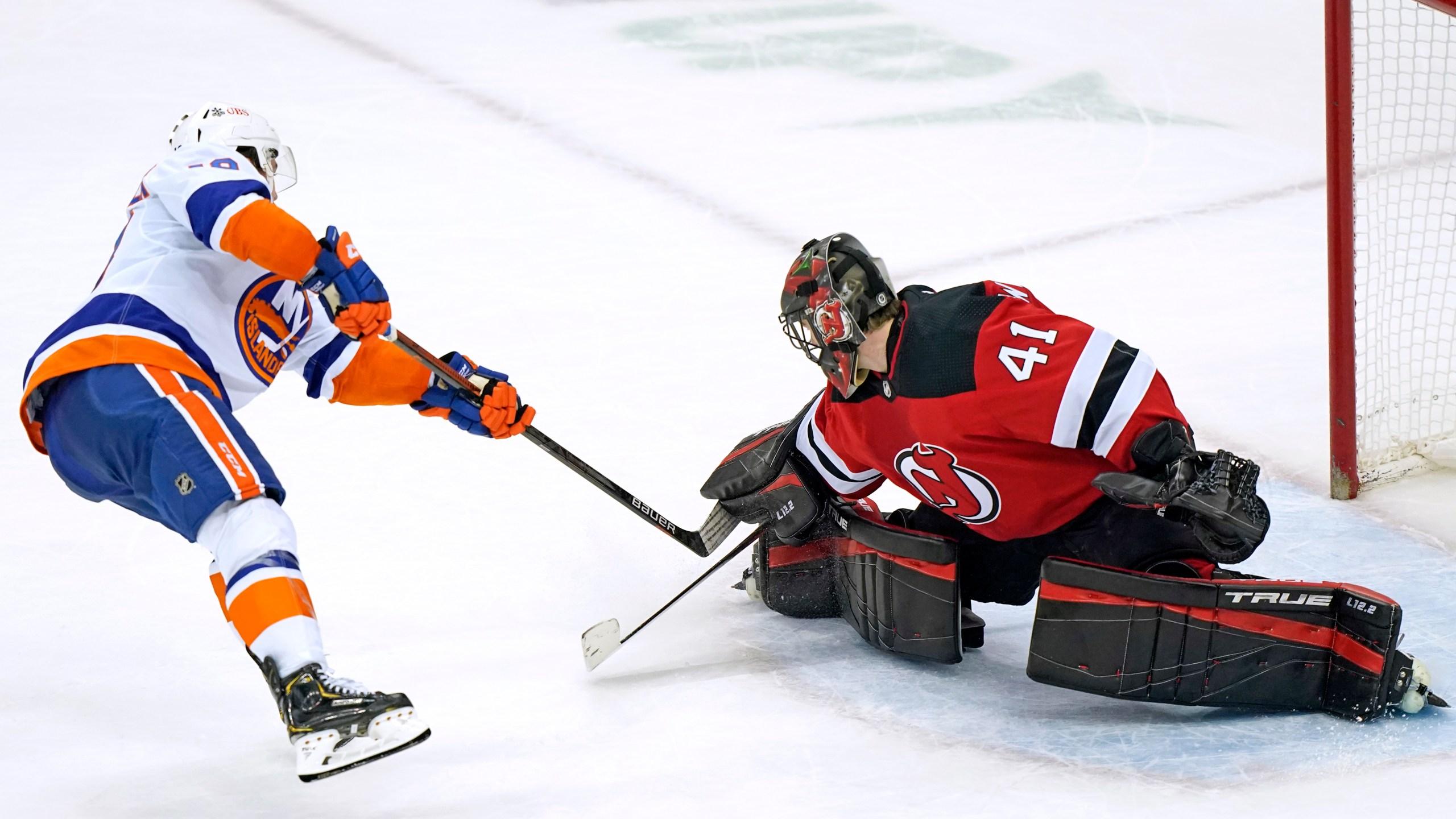 Islanders, Devils players