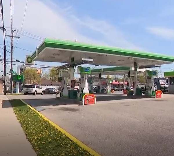 BP gas station on long island where a barefoot child was seen walking alone late at night