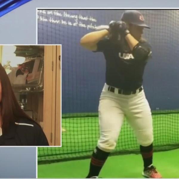 Alexia Jorge baseball