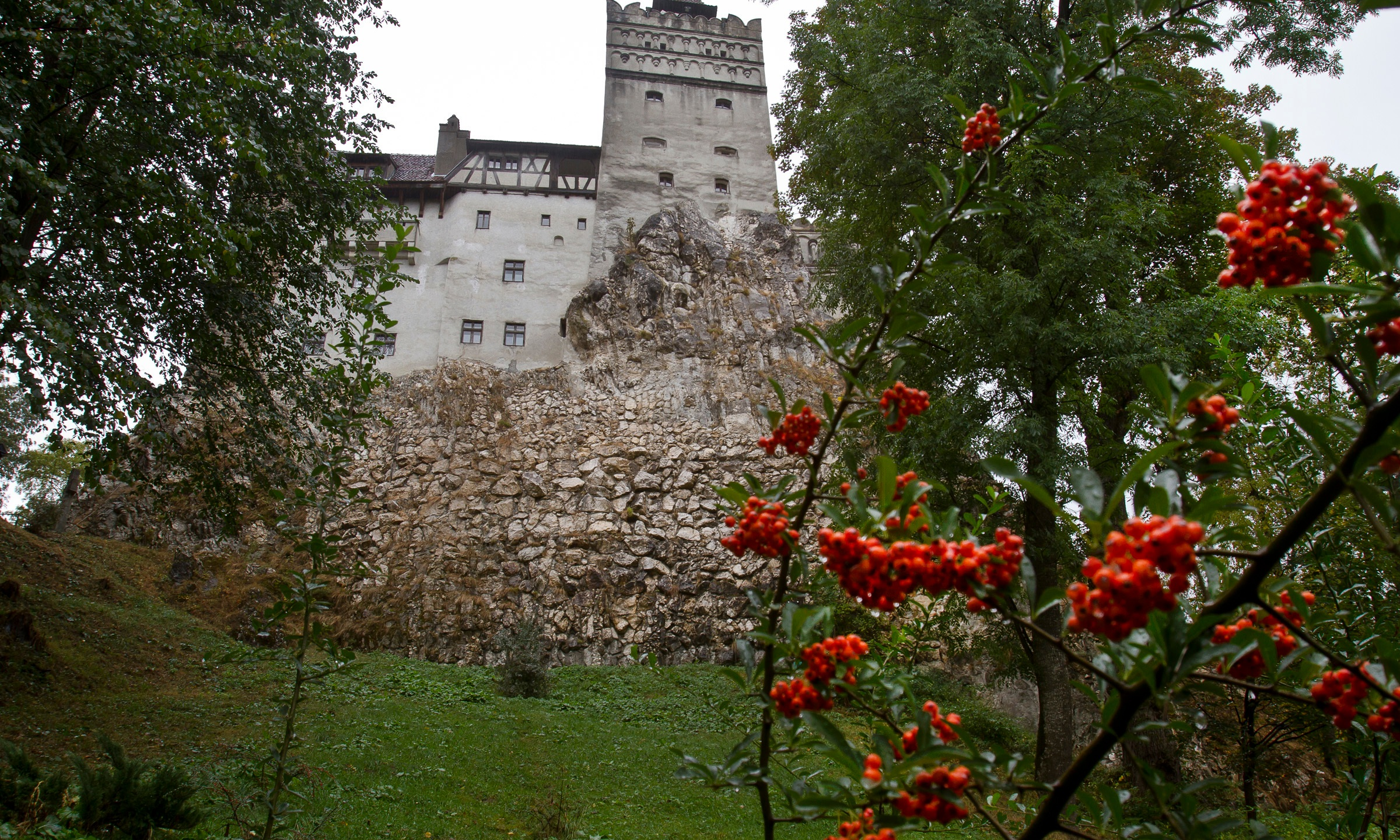 Dracula castle in Romania offering COVID vaccines