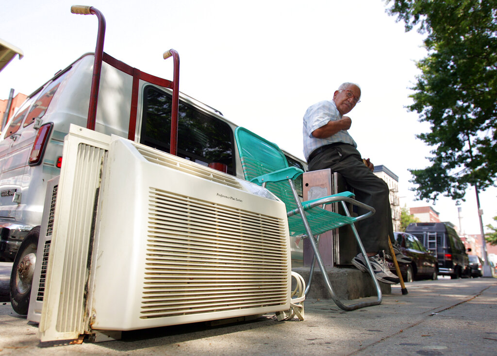 NYC power usage outages possible as record heat grips 5 boroughs, de Blasio warns   PIX11