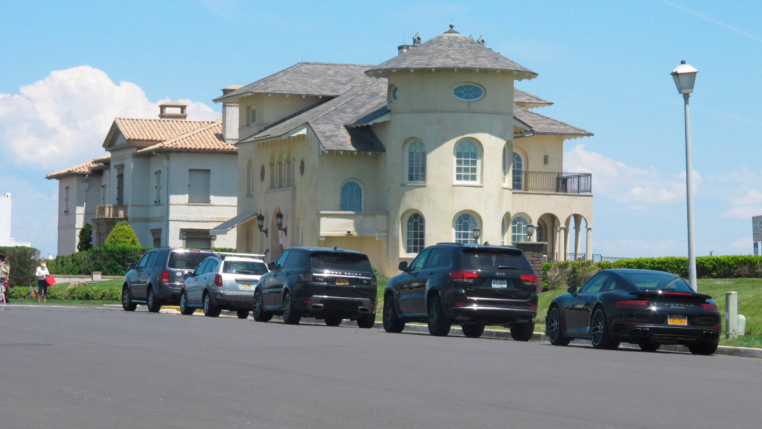 cars parked on shorefront street in Deal New Jersey