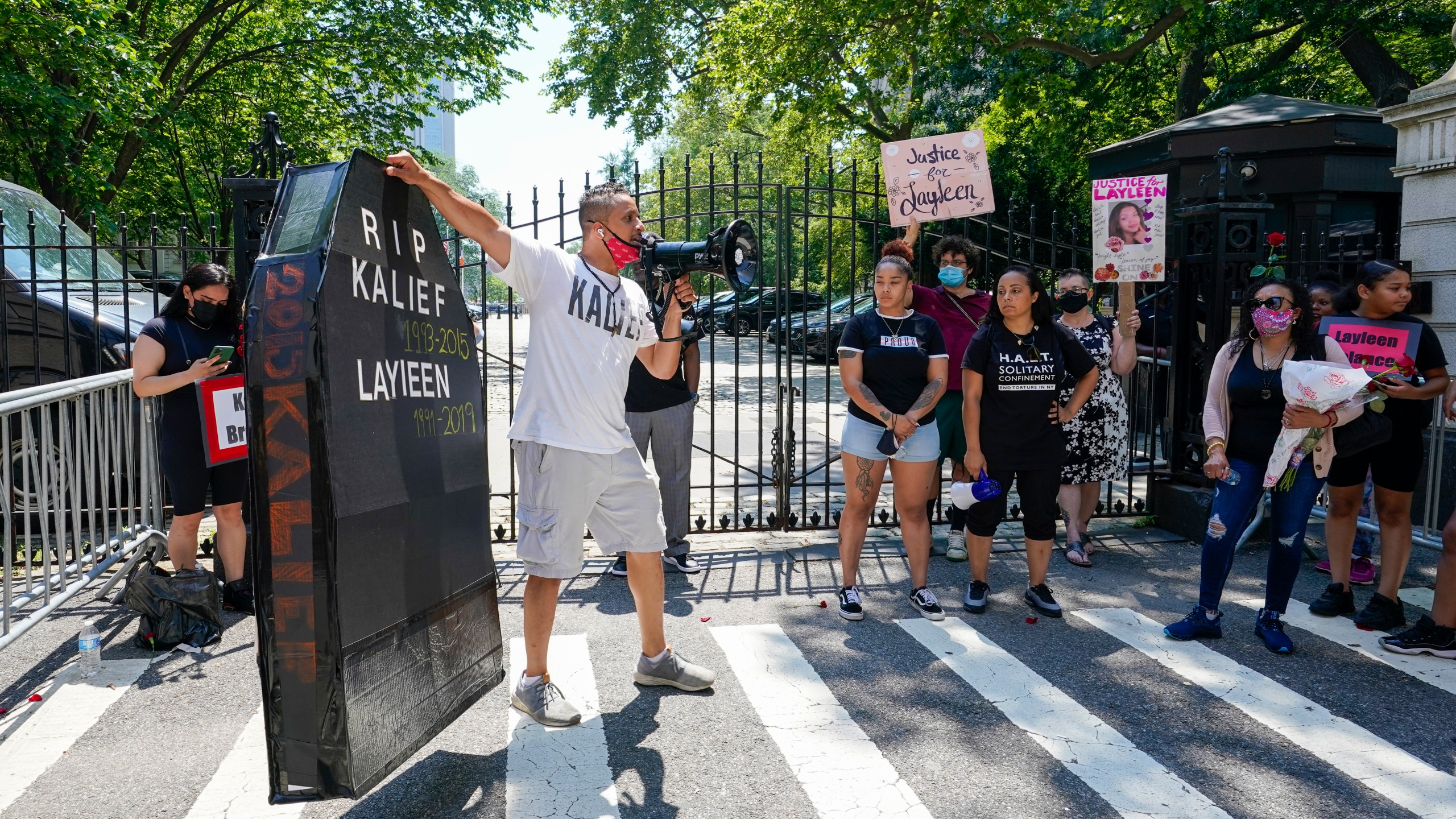 end solitary confinement in nyc rally