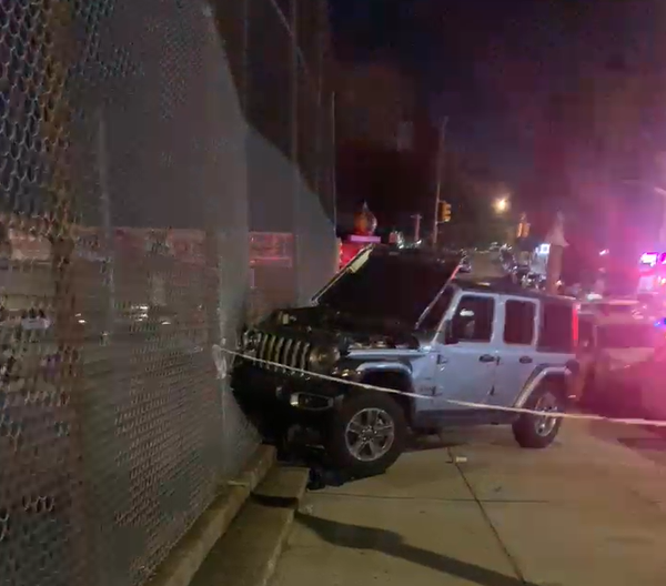Jeep hits, injures family of 6 in the bronx
