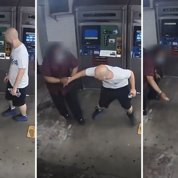 Thief steals wallet out of man's hand at Chambers Street station