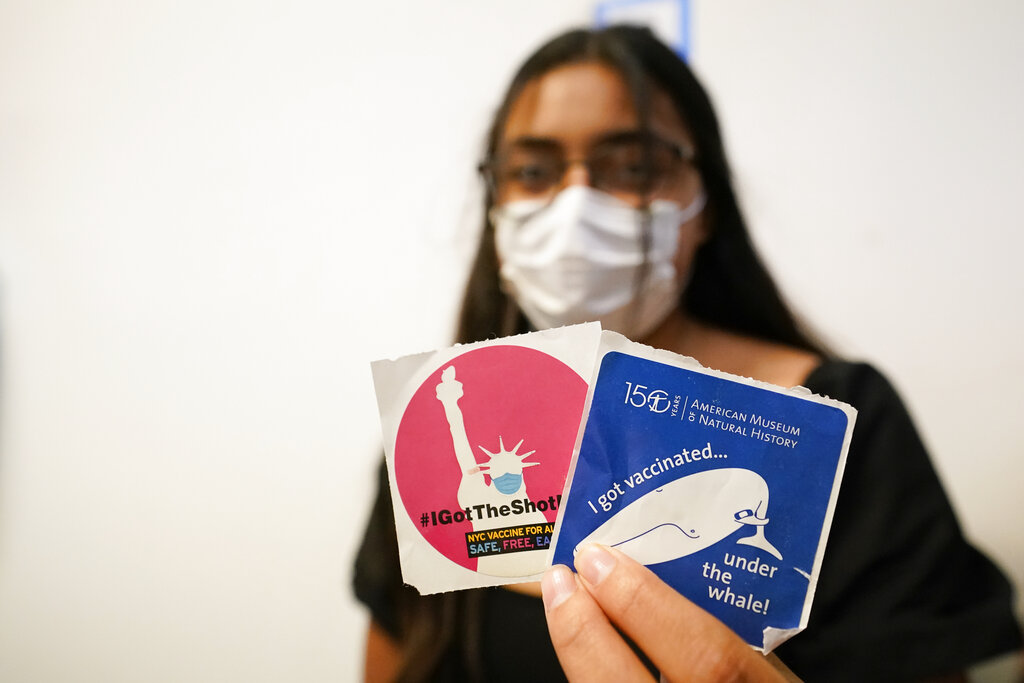 teen gets covid vaccine nyc