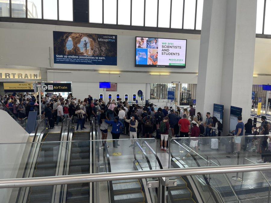 newark airport evacuated