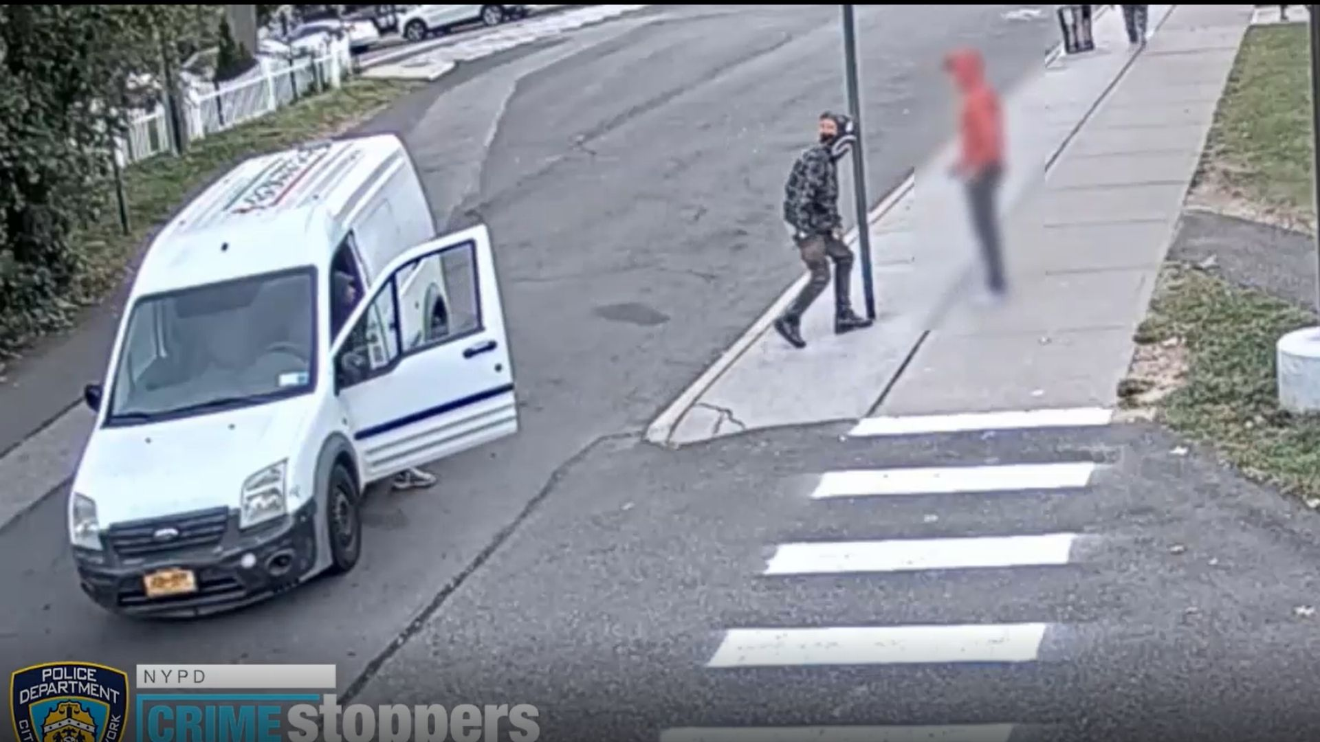 Teen robbed in Queens