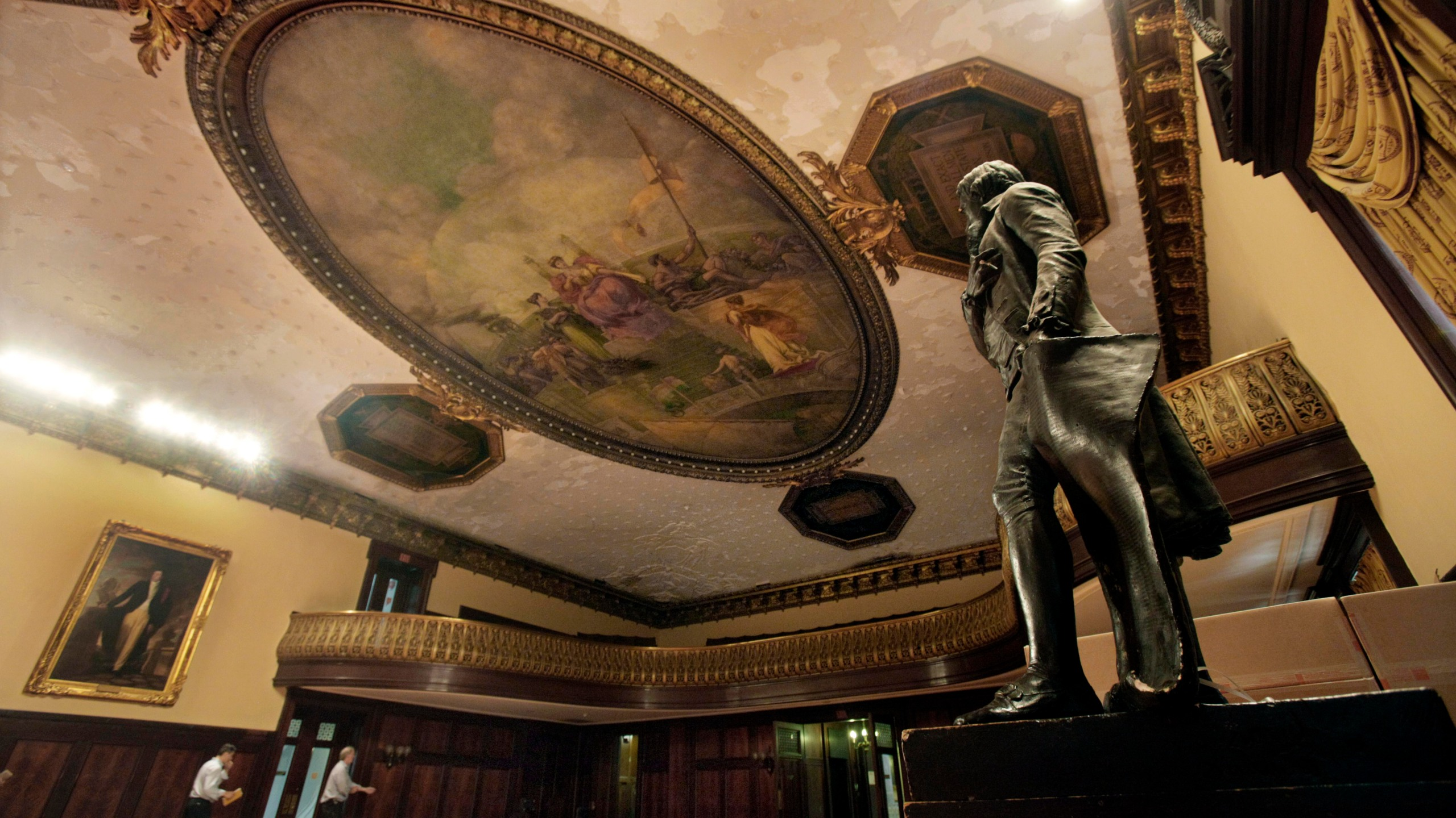 Thomas Jefferson statue in City Hall